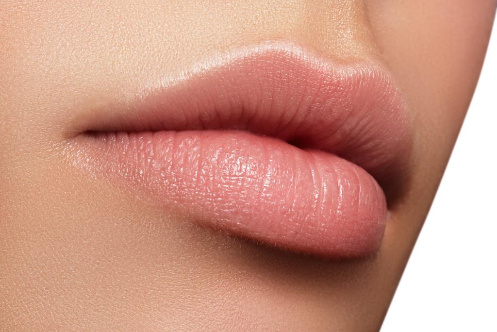 volle lippen durch hyaluron behandlung
